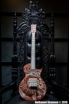SLAYER/EXODUS Guitarist Gary Holt Unveils New Guitar Painted In His Own Blood