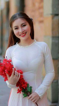 Best 12 New stylish kurti neck designs for women – ArtsyCraftsyDad Vietnamese Traditional Dress, Vietnamese Dress, Traditional Dresses, Vietnam Girl, Kurti Neck Designs, Beautiful Asian Women, Ao Dai, Sexy Asian Girls, White Girls