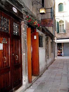 Bacari di Venezia: Cantina Do Mori sestiere San Polo 429 calle dei Do Mori
