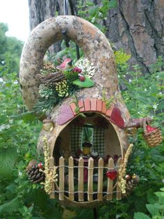 Woodland Heart Cottage   Flickr - Photo Sharing! Mini Fairy Garden, Fairy Garden Houses, Gnome Garden, Fairy Gardens, Hand Painted Gourds, Fairy Tree, Gnome House, Fairy Doors, Gourd Art