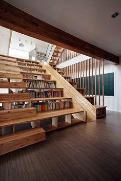 建築家ムーン・フンは最近、韓国でパノラマハウスを設計した。自宅に組み込まれたユニークなデザインの特徴の一つは、ホームシアターを作るために階段状の座席エリアとして機能するライブラリに、直接組み込まれた木製スライドの書棚だ。                            ...
