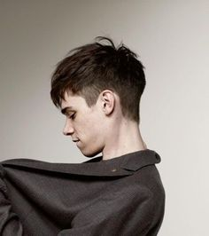 Hairstyles & Haircuts for Men in 2015 with side shorter and top longer, this angular fringe will look good to youwith side shorter and top longer, this angular fringe will look good to you Fringe Hairstyles, Undercut Hairstyles, Hairstyles Haircuts, Haircuts For Men, Trendy Hairstyles, Medium Hairstyles, Medium Haircuts, Modern Haircuts, Wedding Hairstyles
