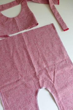 Sewing project waxed pants made of half linen, Linen trousers items. Summer Pants Outfits, Kids Outfits, Outfit Summer, Harem Pants Outfit, Baby Dress Design, Toddler Girl Style, Linen Trousers, Sewing For Kids, Free Sewing
