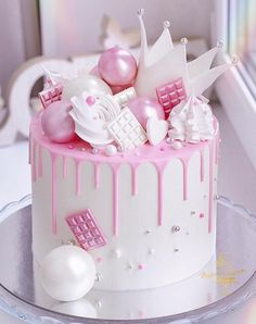 Cake Decorating New Year Cake Designs 2020 . Cake Decorating New Year Cake Designs 2020 . Kreative Desserts, Baby Birthday Cakes, 13th Birthday, Happy Birthday, Birthday Wishes, Cake Templates, New Year's Cake, Beautiful Birthday Cakes, Birthday Cake Decorating
