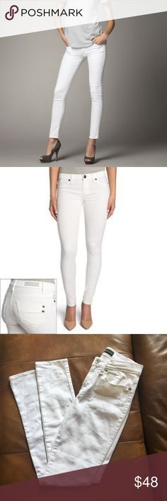 """New Rock & Republic Skinny Jeans NWOT- Rock & Republic White Skinny Jeans. Size 6. Waist 14"""", Inseam 31.5"""". They do have some stretch. Never Worn. Washed once to sell. NOTE: The model pics are the actual jeans, but the back is a little different in the second pic. Rock & Republic Jeans Skinny"""