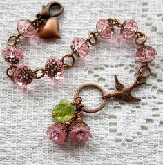 Belleza de la naturaleza pulsera en rosa por FallenAngelDesigns