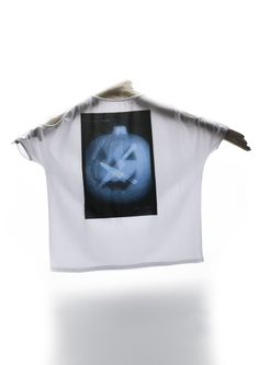 Celebrate Halloween Day... and start to play ! $65 Tee Online, Play, Halloween, Celebrities, How To Wear, Women, Fashion, Moda, Fashion Styles