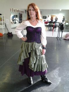 A sample costume for the piratesses. Looking fantastic!