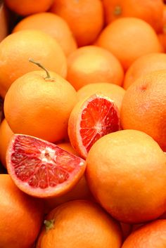 orange a beautiful color and good for you Fresh Fruits And Vegetables, Fruit And Veg, Citrus Fruits, Tutti Frutti, Green And Orange, Orange Color, Orange Zest, Yellow, Veggies