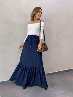 Off Shoulder Floral Dress, Polo Shirt Outfits, Stylish Dresses, Modest Outfits, Feminine Style, Fashion Forever, Beautiful Dresses, Long Maxi Skirts, Autumn Fashion