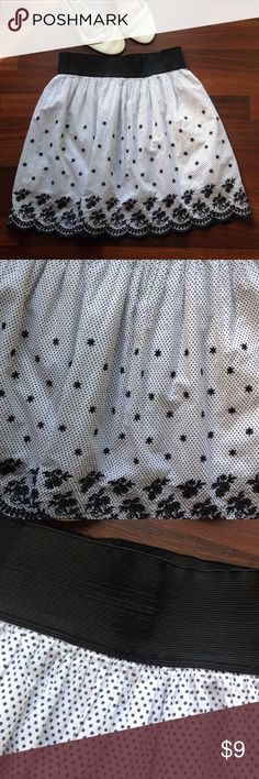 ⚠️NO OFFERS⚠️ Skirt White and black polka dot and floral skirt Rhopsody Skirts Mini