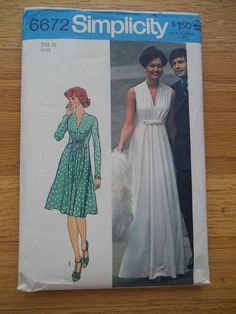 Vintage 1970s Maxi Dress Pattern Simplicity 6672 --- I so wish I could sew... This is such a pretty dress pattern.