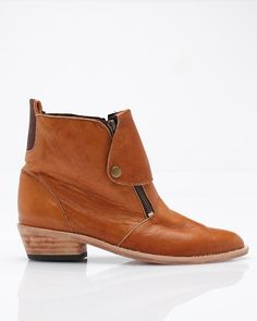 Cody in London Tan $395