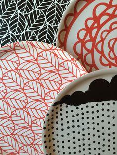 Round trays / Rebers design Round Tray, Textile Design, Trays, Textiles, Tableware, Kitchen, Dinnerware, Cooking, Dishes