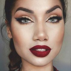 Classically Festive Look - Gold Eyes & Red Lips