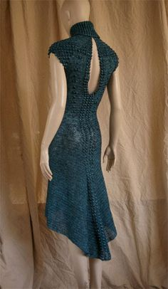 Esta pieza empezó con una idea diferente: tenia que ser un body. Terminó siendo un vestido (mis... ~ Love it!