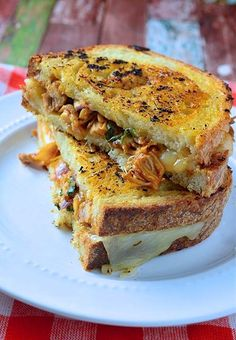 BBQ Chicken Grilled Cheese Sandwiches @FoodBlogs
