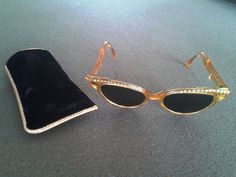 New Arrival 1950's Vintage Gold Tone w/ Rhinestone by JUNQFUSION, $59.00
