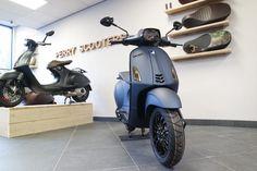 Vespa Sprint S Grigio Titanio Mat Grijs – Perryscooters Vespa Tuning, Nardo Grey, Vespa Sprint, Vespa Scooters, Motorbikes, Honda, Bike Design, Dim Sum, Motorcycles