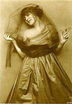 Gilda Langer 1896–1920 (aged 23) lung infection - official, drug overdose - rumor