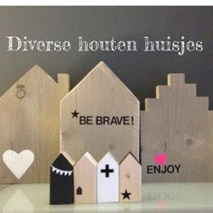 Houten huisjes Little White House, Little Houses, Scrap Wood Crafts, Company Gifts, Paper Houses, Pillos, Wooden Gifts, Pallet Art, Miniature Houses