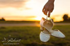 Hochzeitsfeier bis in die Morgenstunden picture by bilDRand Photography Ballet Dance, Ballet Shoes, Dance Shoes, Wedding Pictures, People, Slippers, Photography, Fashion, Ballet Flats