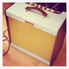 @mrtobysamuel's limited edition Fender Blues Junior III. Love the vintage look of this.