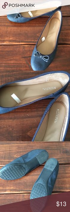 New! Merona deep blue flats size 7.5 Beautiful blue, snakeskin like material flats. Worn once for a few minutes, but just didn't feel right. No signs of wear at all. Almost like new! If you have any questions, please don't hesitate to ask! Merona Shoes Flats & Loafers