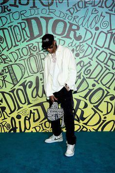 Travis Scott Photos - Travis Scott attends the Dior Men's Fall 2020 Runway Show on December 2019 in Miami, Florida. - Dior Men Fall 2020 Runway Show Travis Scott Outfits, Travis Scott Fashion, Travis Scott Style, Tenis Dior, Gq, Dior Sneakers, Men Sneakers, Jordan Sneakers, Travis Scott Iphone Wallpaper