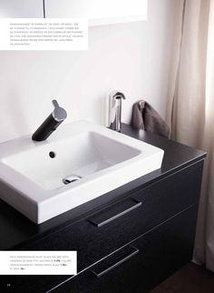 Gustavsberg baderumsmøbel. Perfekt til det mellemstore badeværelse. Fås i flere størrelser i høj kvalitet. #Gustavsberg #baderumsmøbler #bathroom #badeværelse #badmøbler #vvscomfort