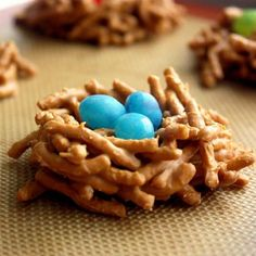 Bird's Nest Cookies {recipe how to} You only need three ingredients: chow mein noodles, butterscotch morsels and mini egg-shaped candies. The original recipe actually called for semi-sweet chocolate chips but I thought the butterscotch morsels gave the nests a more realistic appearance.
