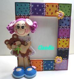 Goma EVA... un aliado maravilloso en las manualidades Foam Crafts, Diy Crafts, Framed Burlap, Crafts For Kids, Arts And Crafts, Doll Tutorial, Clay Art, Baby Dolls, Picture Frames