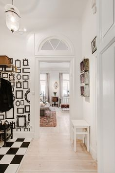 Superbe Scandinavian Style Home With A Greek Twist