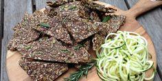 Vegan and gluten-free Zucchini & Rosemary Seed Crackers.(Recipes To Try Stevia) Savory Snacks, Healthy Snacks, Healthy Recipes, Stevia Recipes, Paleo Ideas, Healthy Carbs, Seed Crackers Recipe, Cracker Recipe, Vegan Crackers
