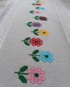 123 Cross Stitch, Cross Stitch Heart, Beaded Cross Stitch, Cross Stitch Borders, Crochet Cross, Cross Stitch Designs, Cross Stitch Patterns, Hand Embroidery Stitches, Cross Stitch Embroidery