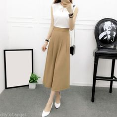 We also have a high-standard team, qualified by authorized organizations to ensure products are of the highest quality. Culottes Outfit Work, High Waisted Loose Pants, Jupe Short, Chiffon Pants, Trendy Outfits, Fashion Outfits, Square Pants, Dressed To The Nines, Wide Leg Trousers