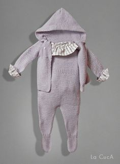 http://lacucaonline.blogspot.com.es/2013/09/winter-looks-2013-2014.html Knitting For Kids, Baby Knitting, Winter Looks, Knitwear, Newborns, Baby Kids, Pie, Classy Outfits, Frogs