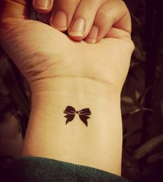 Small Tattoo Designs and Ideas for Women 20