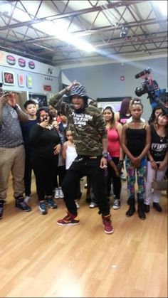 Les twins (Larry) freestyle in Philly