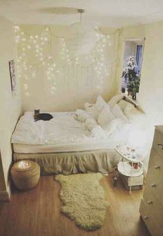 Small but cute room! love the furry carpet on the wood!