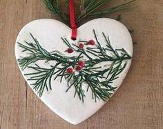 Christmas Clay, Christmas Projects, Christmas Tree Ornaments, Christmas Holidays, Ornament Tree, Classy Christmas, Natural Christmas, Homemade Christmas, White Christmas