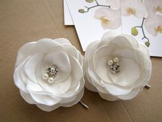 Bridal hair pins with satin fabric flowers floral by JujaCrafts