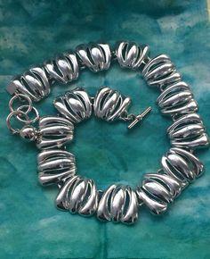 Get FANCY: Beautiful vintage silver tone by VelvetVintageJewelry