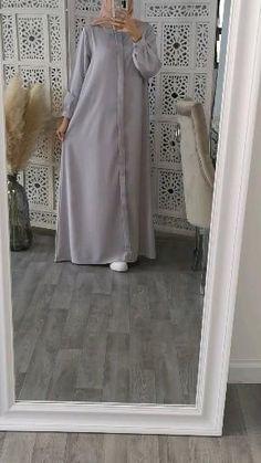 Iranian Women Fashion, Islamic Fashion, Muslim Fashion, Hijab Style Dress, Hijab Outfit, New Abaya Style, Hijab Mode Inspiration, Velvet Dress Designs, Hijab Style Tutorial