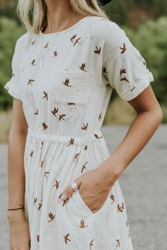 Women's Dresses - Casual Outfit Ideas For Women Fashion Mode, Funky Fashion, Modest Fashion, Womens Fashion, Ladies Fashion, Fashion Stores, Fashion 2018, Boho Fashion, Fashion Online