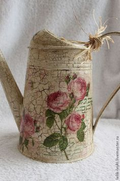"Watering ""The English Roses"" - beige, watering, watering can decoupage, watering can for flowers Crackle Painting, Tole Painting, Painting On Wood, Decoupage Jars, Decoupage Paper, Shabby Vintage, Tin Can Crafts, Diy And Crafts, Watering Can"