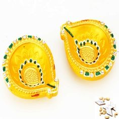 Set of two traditional Diya for Rs 251 Only from mebelkart.com