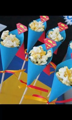 Ideas For An Awesome Superhero Birthday Party Spider Man Party, Fête Spider Man, Superman Birthday Party, Avengers Birthday, Batman Party, Birthday Parties, Superhero Party Food, 5th Birthday, Superman Party Decorations
