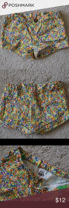 Zara Baby Floral shorts, 3-6 months. Zara Baby Floral shorts, 3-6 months. Very cute and in great condition. Bottoms Shorts