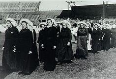 Oirschot, Boerinnenbond, deelneemsters aan kroningsfeest van koningin Juliana in het Olympisch Stadion in Amsterdam Auteur: niet vermeld - 1948 #NoordBrabant